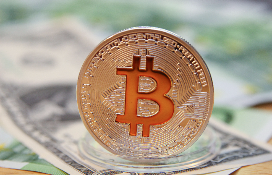 Курс биткоина превысил $20000
