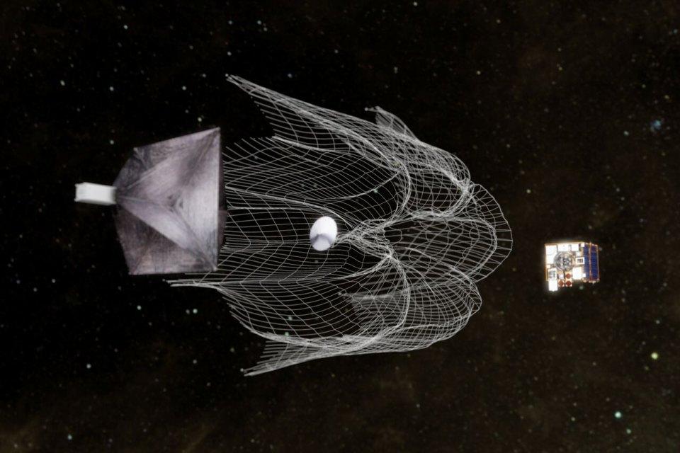 SpaceX отправит в космос гарпун для сборки мусора