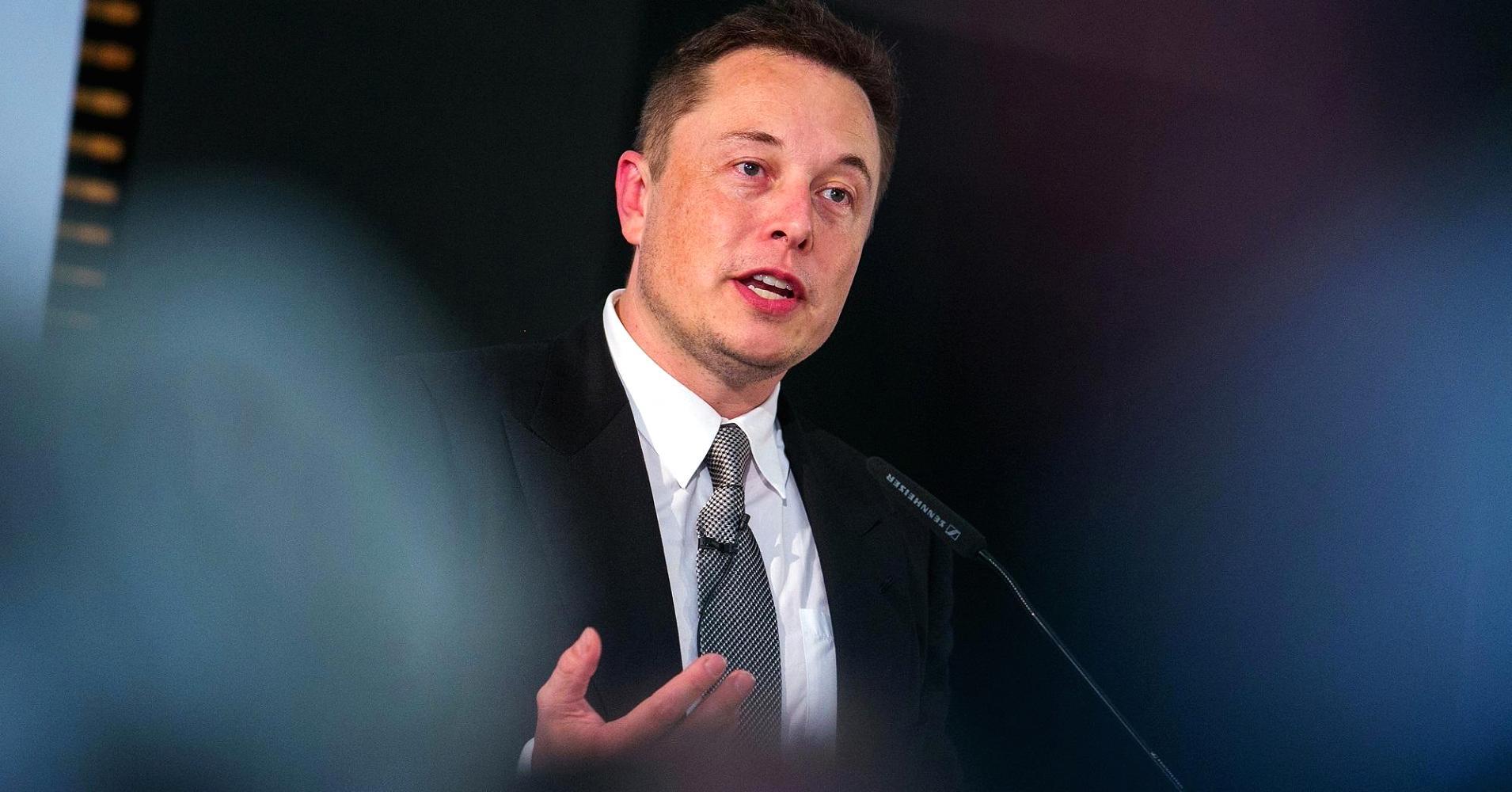 Tesla лишит Илона Маска зарплаты