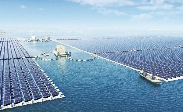 В Китае запустили самую большую в мире плавучую солнечную электростанцию