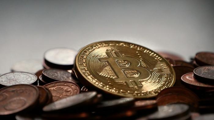 Курс Bitcoin приблизился к отметке в $6000