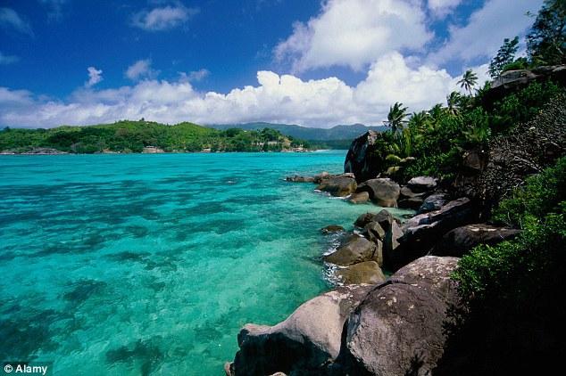 Новая жизнь: купить необитаемый остров за $13,000 и построить там маленький Рай