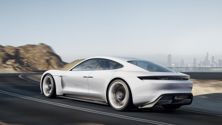 Porsche презентовал прототип электрического суперкара
