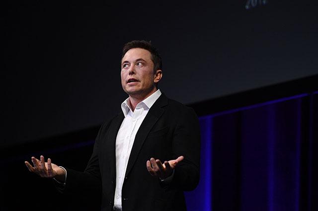 Решение дня: Илон Маскдоставит покупателям все автомобили перед уходом из Tesla