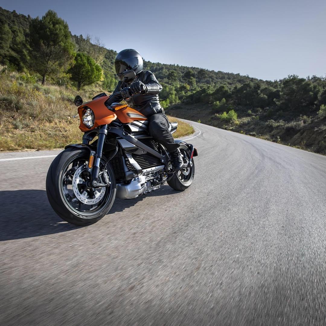 Harley-Davidson презентовали первый серийный электробайк