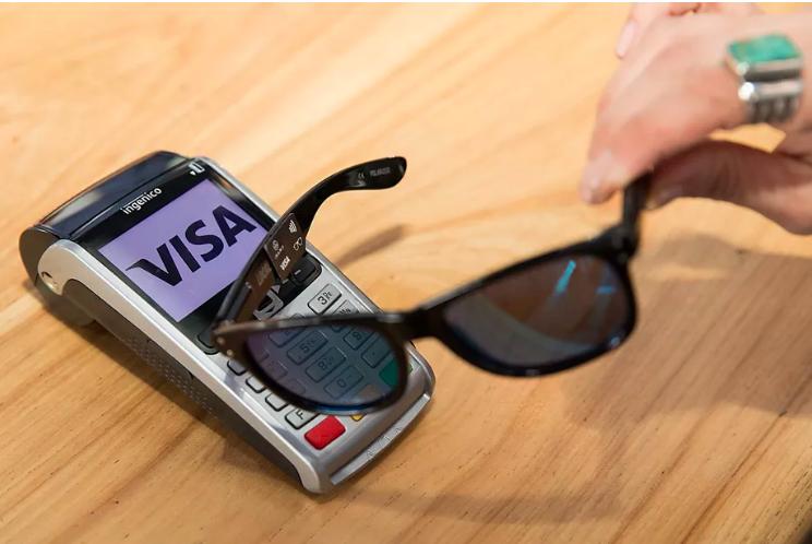 Visa представила очки-кредитку