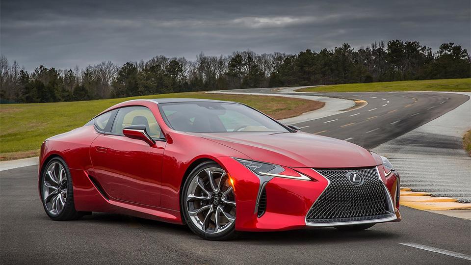 У Lexus появился спорткар