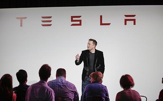 Илон Маск анонсировал грузовик и автобус Tesla