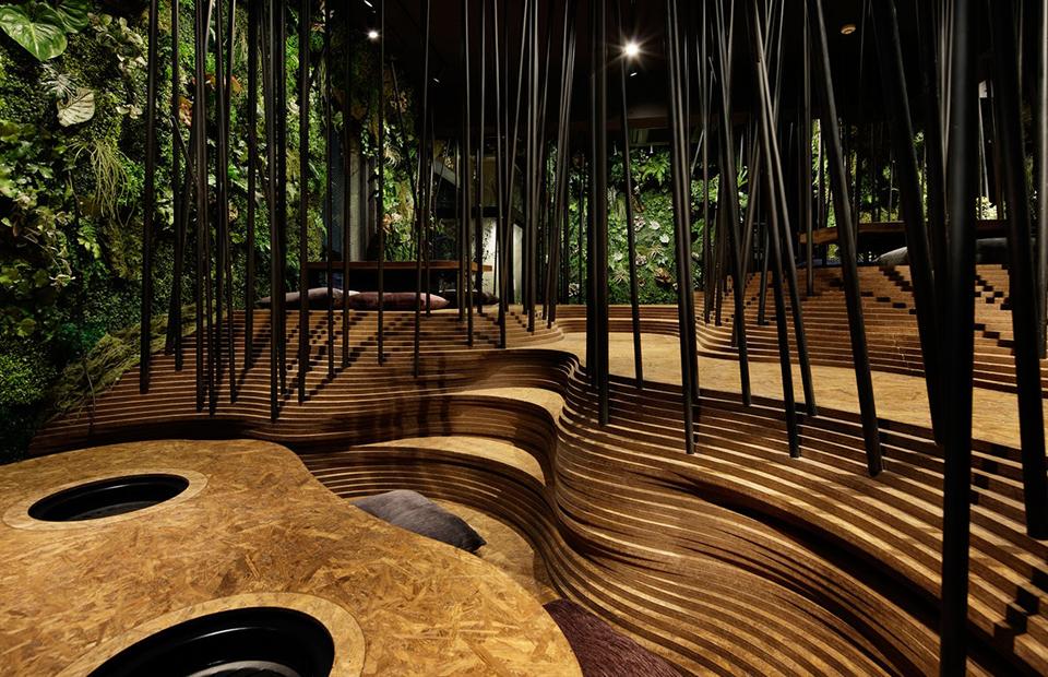 Место дня: ресторан-лес в Токио
