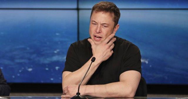 Илон Маск откроет кондитерскую фабрику