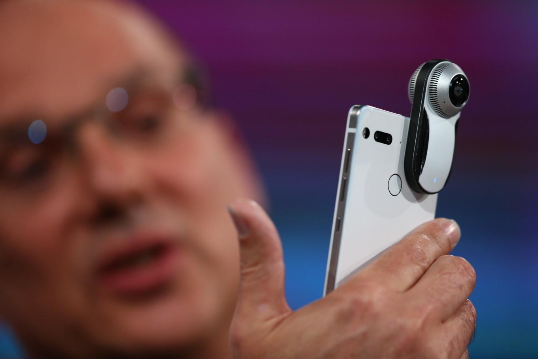 Создатель Android объявил о начале продаж своего смартфона