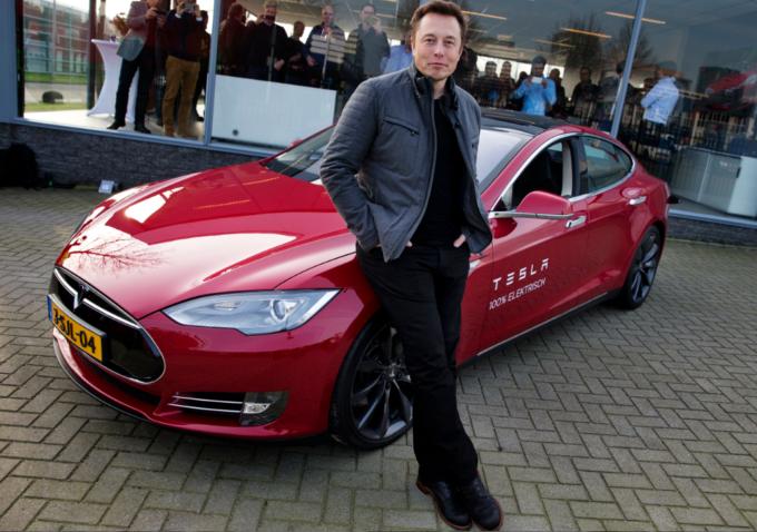 Обещание дня: Tesla получит 10 ракетных ускорителей