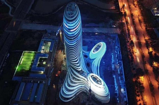 В Китае построили небоскреб в форме пениса