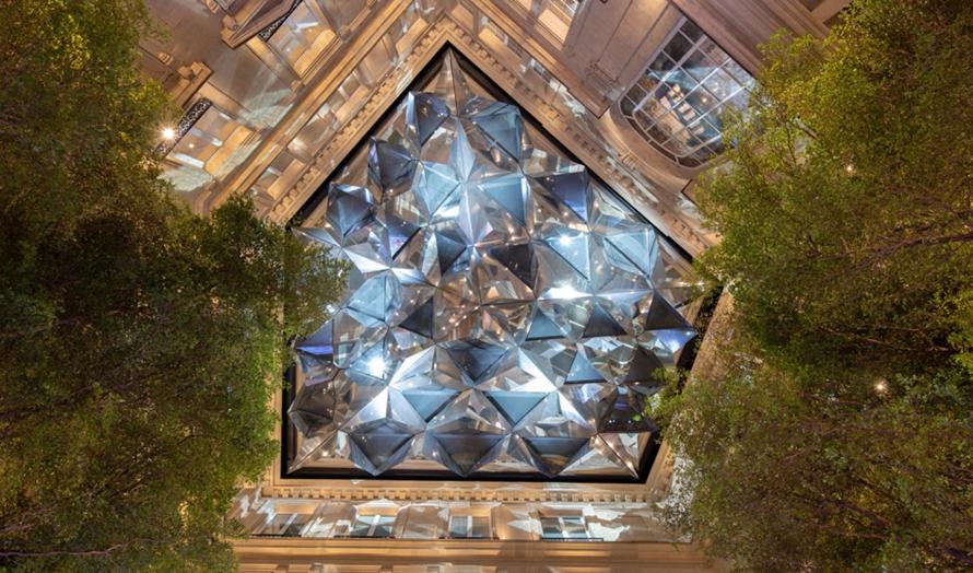 """Место дня: парижский магазин Apple с """"калейдоскопическим""""потолком"""
