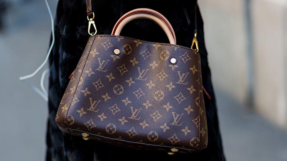 Alibaba поможет Louis Vuitton и Swarovski в борьбе с подделками