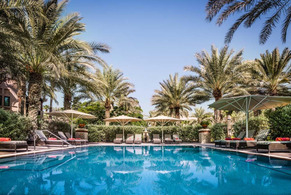 Jumeirah Beach Hotel в Дубае: Гавань в шумном городе