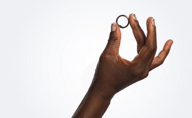 Создано кольцо, которое оплачивает счета с помощью сердцебиения