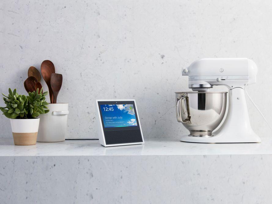 """Amazon подала патент на """"подслушивание"""" вкусов пользователя через колонку Echo"""
