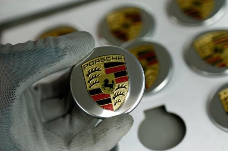 Porsche планирует перевозить людей по воздуху