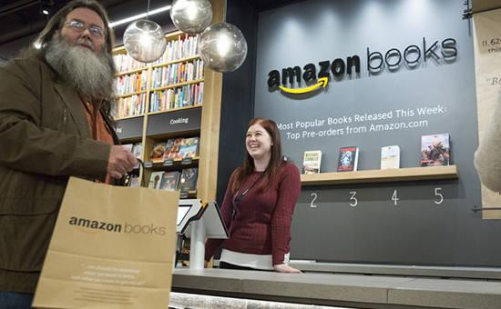 Зачем Amazon открывает книжные магазины
