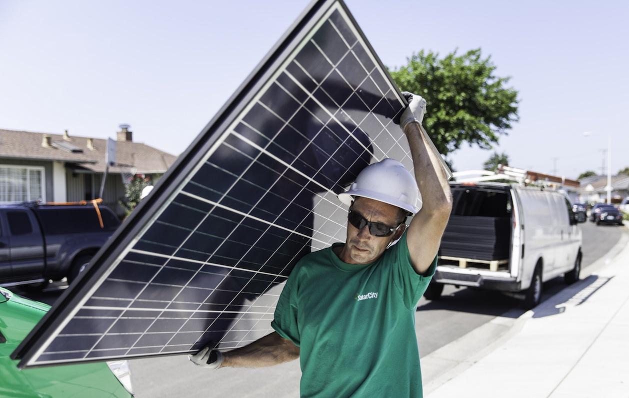 Tesla открыла приём предзаказов на «солнечные крыши» SolarCity