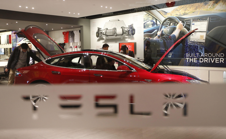 Tesla будет собирать электромобили в Китае