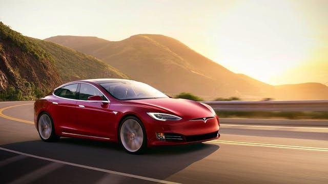Илон Маск будет отпугивать грабителей Tesla музыкой Баха