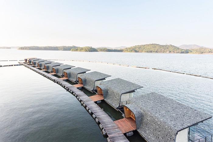 Место дня: плавающий отель в Таиланде