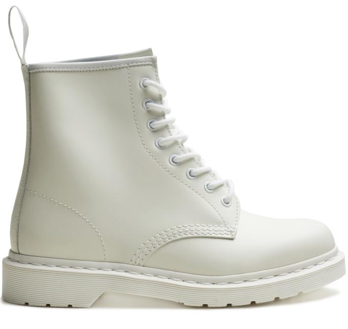 Вещь дня  белые ботинки Dr. Martens 31a93e60b31d0